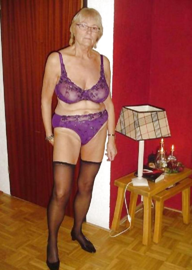 YvonnexxKus aus Antwerpen,Belgien